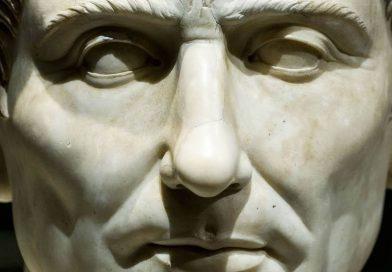 julio cesar primer emperador