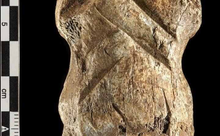 hueso arte neandertal